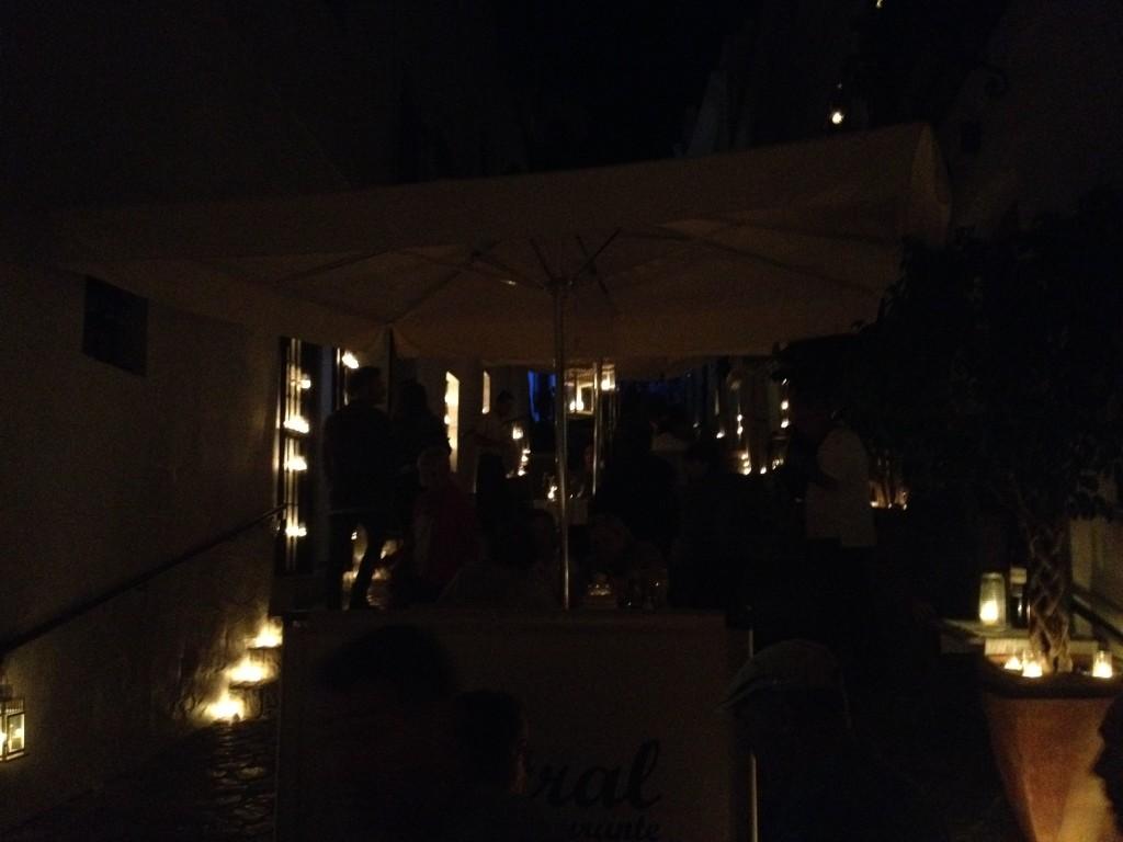 Bar Central während der Nacht der Kerzen